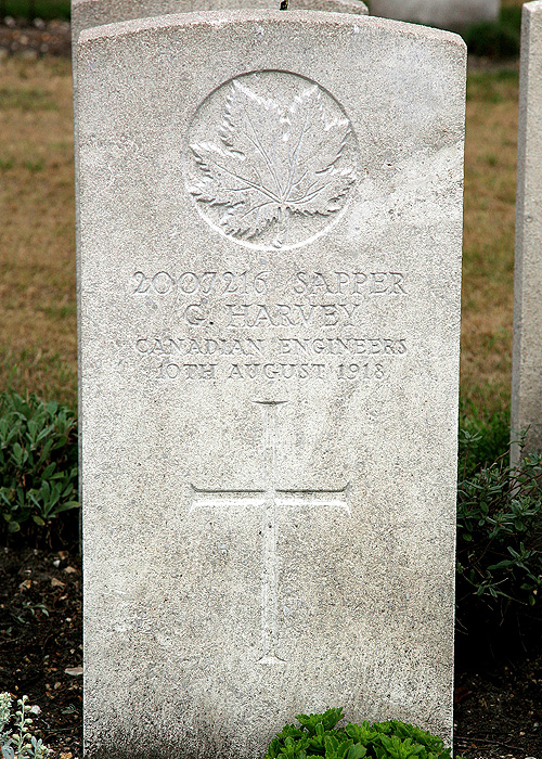 Headstone of George Harvey (1884-1918)