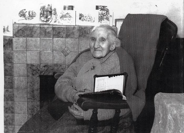Maria Bunstone Thomas (nee Guy) - (abt 1855-1954)