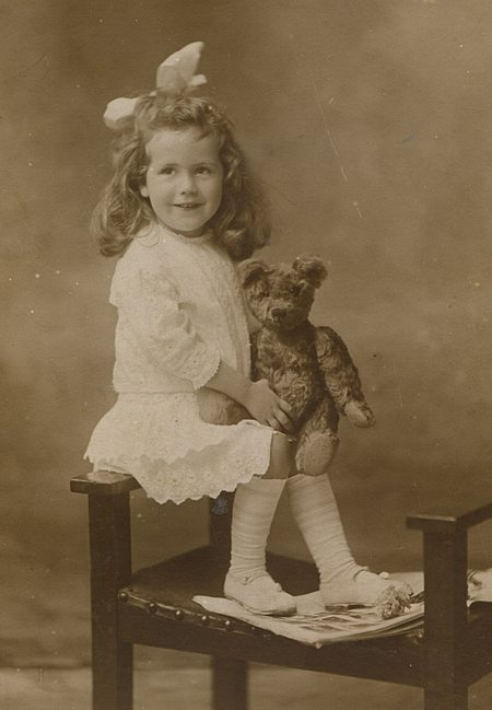Phyllis Weaver aged 5 or 6