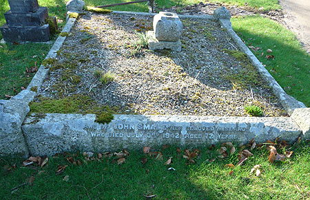 The grave of John Smale (abt 1871-1842) in Plymouth Road Cemetery, Tavistock