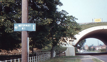 Old signpost to the M1 Motorway