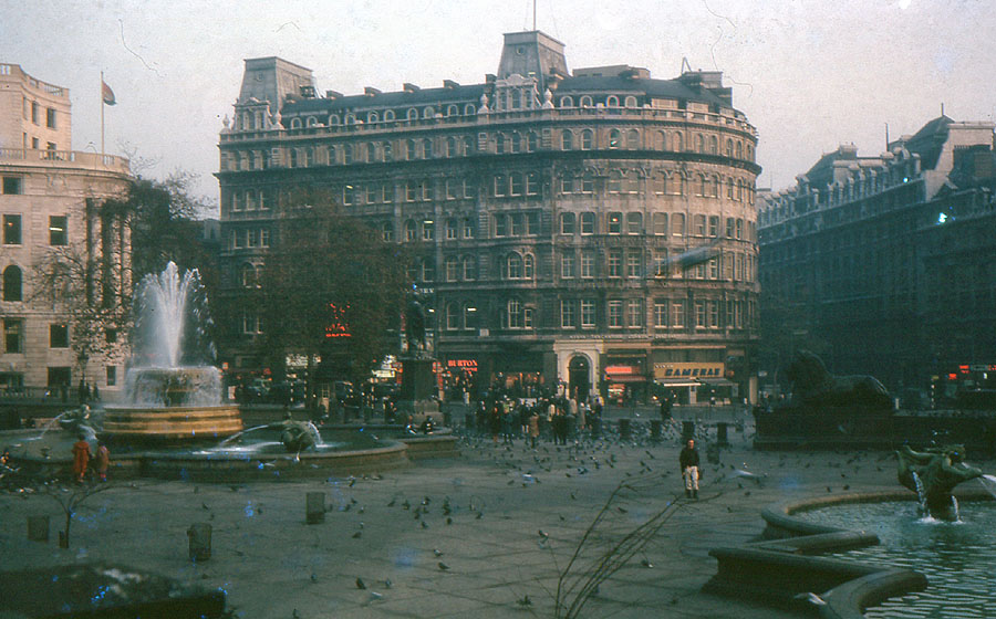Old photos of Trafalgar Square