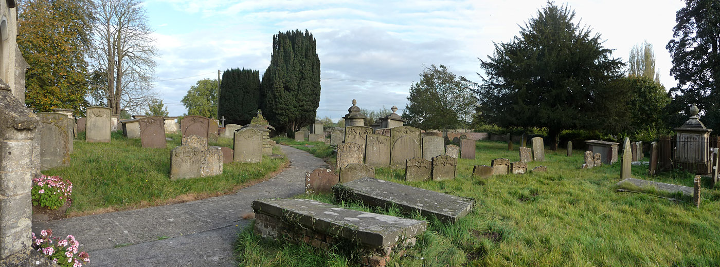 Row of Fryer graves in Arlingham churchyard