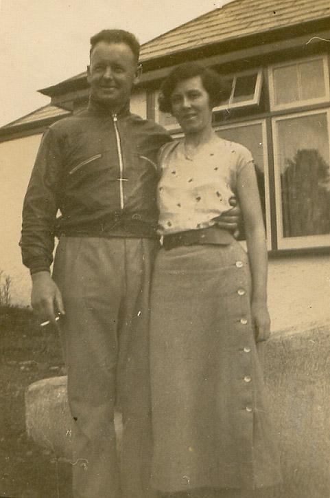 Charles George Hibbitt & wife, Ivy Alice (nee Dando)