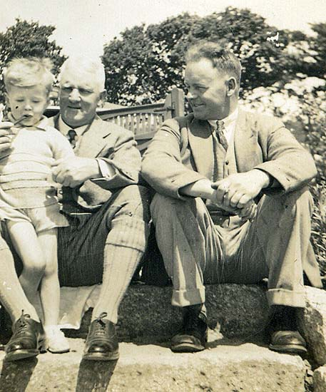 Hibbitt / Dando Family Group, circa late 1930's