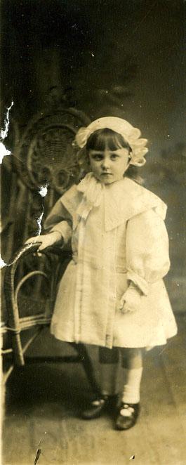 Ivy Alice Dando (1904-1992) - aged 3