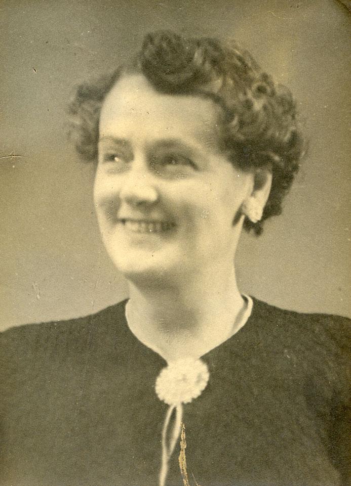 Nellie Gertrude Martin, nee Hibbitt (1897-1966)